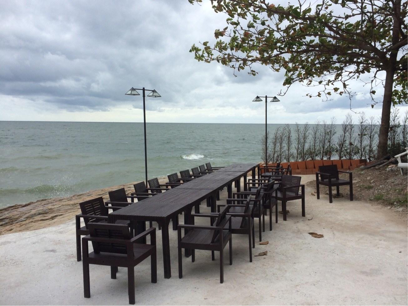 ร านอาหาร Bluefin Beach Bar Restaurants สาขา บางแสน
